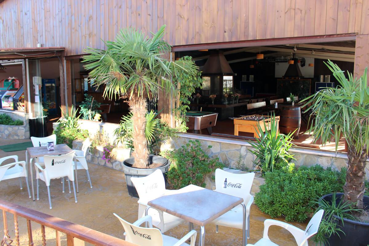 terraza salones apartahotel las olivas